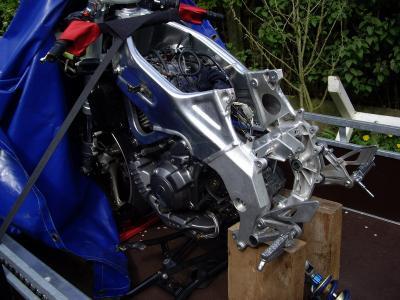 Herstelling van aluminium chassis van Yamaha